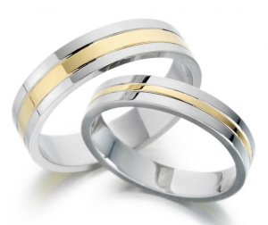 hukum memakai cincin