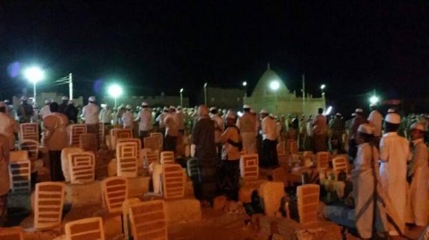 Ibadah dan perayaan di perkuburan oleh pengikut sufi Malaysia dan Indonesia, setiap tahun di Tarim, Hadramaut